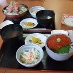いさばや食堂 - いくら丼とネギトロ丼
