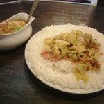インド式 チャオカリー - ベーコンエッグ野菜curry