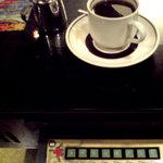 純喫茶 車 - 懐かしいゲーム机とコーヒー