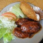 ごん太 - 味噌カツ(ひれ)&唐揚げ ※メインのおかず 友達が注文 2010年6月