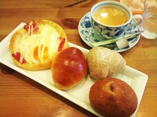 プクプク - 初訪時に食べたパン4種