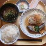 オレンヂ - 日替わり定食(さば味噌煮込み定食)