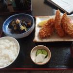 和食富味 - トリムネ肉のフライ あげナスの定食 850円