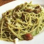 PIZZA SALVATORE CUOMO - バジルとソーセージのスパゲティ