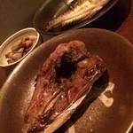 恵比寿七福神 - 料理写真:鯖の頭と尾の漬け焼き