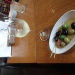 SALVATORE CUOMO & BAR 覚王山 - オリーブとハウスワイン