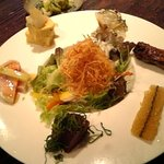"""美松 - ランチの""""ハンバーグのお昼ごはん""""の前菜です"""