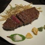 鉄板Diner JAKEN - 黒毛和牛(山形牛)ミディアムレア