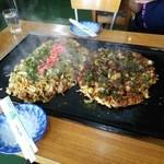 お好み焼安さん - 料理写真:ミックス焼きそばと安さんスペシャル