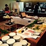 リコモンテ - 朝食は和洋のビュッフェ形式!