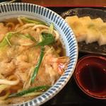 ちぎりや - 天ぷらうどんと鯛の押し寿司半人前