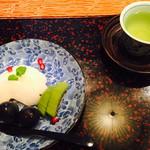 日本料理 嵯峨野 - 水物 (梨、キュウイーフルーツ、葡萄、ザクロ)