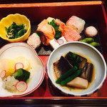 日本料理 嵯峨野 - お浸し、口取、酢の物、焚き合わせ、