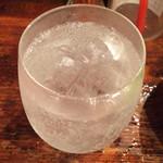 天天米線 - 白水ソーダ割り