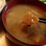 道の駅 ニセコビュープラザ - 調理例;落葉茸の味噌汁(煮干出汁で).テッパンに,美味しッ! @2015/09/21
