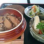 食事処 若杉 - 料理写真:松茸釜めし