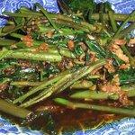 馬来風光美食 - 空芯菜の炒め