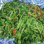 馬来風光美食 - 豆苗の炒め