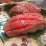 大和榛原牛 うし源 - とろいちぼの炙り寿司
