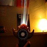 4214902 - この剣を光らせて店員さんを呼びます
