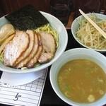 麦天 - 味玉チャーシューつけ麺(中盛)。