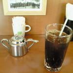 リラ - アイスコーヒー