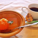四季亭 - みかんのシロップ付とフルーツゼリー&コーヒー