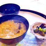 四季亭 - 卵雑炊。奈良漬も美味