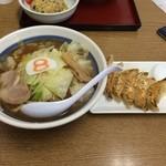 8番らーめん - 料理写真:8番セット味噌味