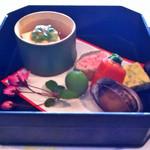 四季亭 - 前菜:ウニ豆腐、菜の花のサーモン巻き、とこぶし など