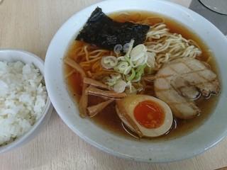 江刺家 五大 杉の町店 - あっさり醤油 大盛り(¥700) ライス(¥100)
