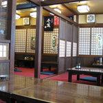 4216363 - 2010/3月:ベタな座敷席が殆どの店内