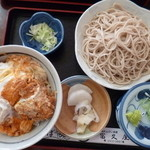 そば処冨久屋 - カツ丼セット(税込910円)