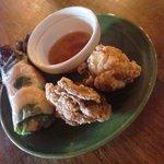 Monsoon Cafe - 鶏ふりゃー&春巻き付。鶏ふりゃーは、あぢあぢでまいぅ