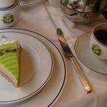 42166064 - ケーキと紅茶