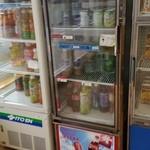 福田パン - ドリンクもたくさん売られていました