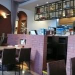 オステリア・ド・イタリア オリーブ - 店内はオシャレな空間。