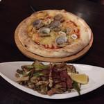 バルデザック ザックバラン - シーフードピザときのことアスパラ