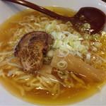 一完歩 - 鶏がら醤油ラーメン750円(*´д`*)うまー