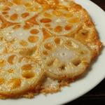 桃屋 - レンコンと5種のチーズ鉄板焼き