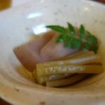 やまめ料理阿瀬 - 手造りコンニャクとフキ