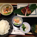 42179345 - 蒲焼定食(2,200円)