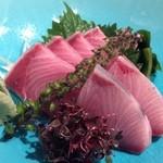 酒菜・からく - 天然寒ぶり刺 780円