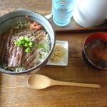 べべんこ - 豊後牛焼肉丼(¥1,520)