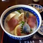 42184182 - ランチ海鮮丼1200円