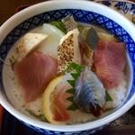 42184190 - ランチ海鮮丼1200円