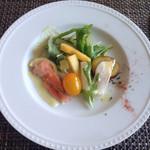 フランス料理 Kimishima  - 料理写真:【前菜】 鶏胸肉の酒粕と麹漬け サーモンと粒マスタードのマリネ 野菜のピクルス