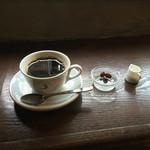 ムーン ファクトリー コーヒー - 深煎りストレート トラジャ cup(700円)