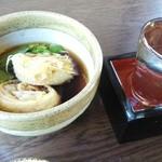 Sobadokoroyashio - 揚げ湯葉。値段的に期待し過ぎか。ん~普通(笑)