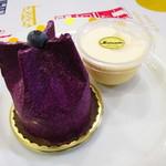 マツモト - 料理写真:紫芋のケーキ、プリン